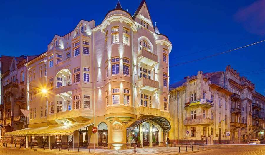 Search availability for the best hotels in L'viv